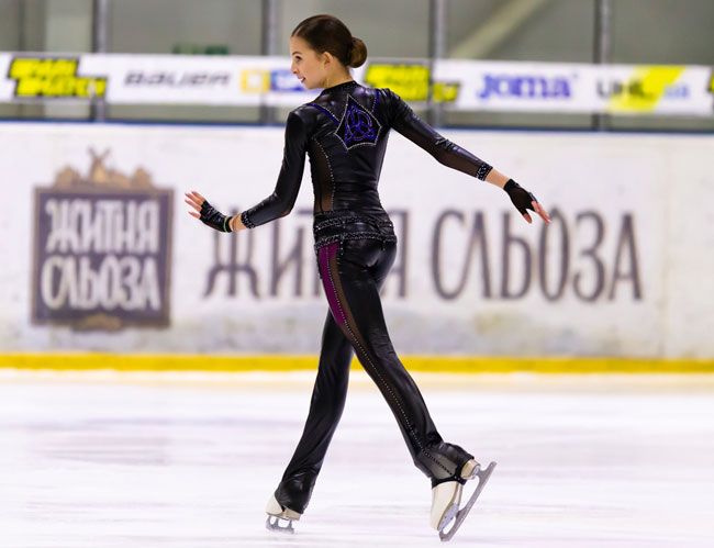 Россиянка Валиева выиграла короткую программу на юниорском ЧМ по фигурному катанию; Шаботова – 17-я - «Коньки»