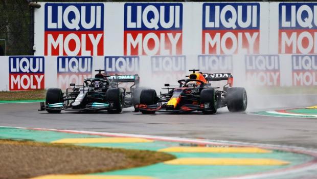 Ферстаппен одержал победу, Хэмилтон сохранил лидерство. Итоги гонки в Имоле - «Формула-1»